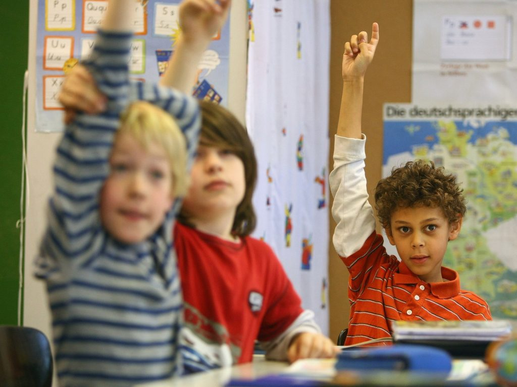 Reasons to send your child to American curriculum school